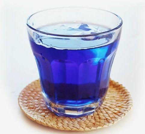 ラジエーションハウスの青いお茶